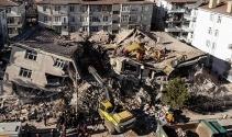 Depremzede enkaz altından 112'yi aradı! İşte tüyleri diken diken eden konuşma