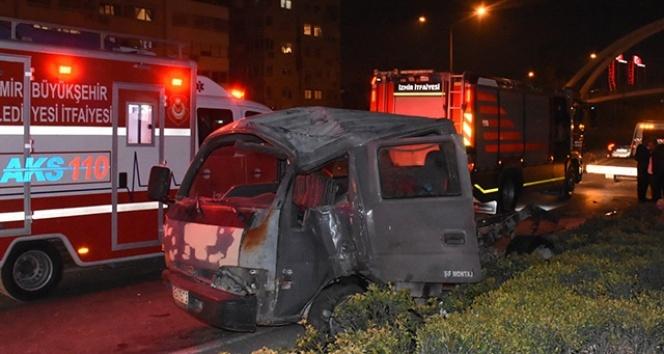 İzmir'de zincirleme kaza, yaralılar var