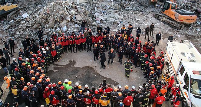Elazığ'da çöken Dilek Apartmanında kurtarma çalışmaları tamamlandı