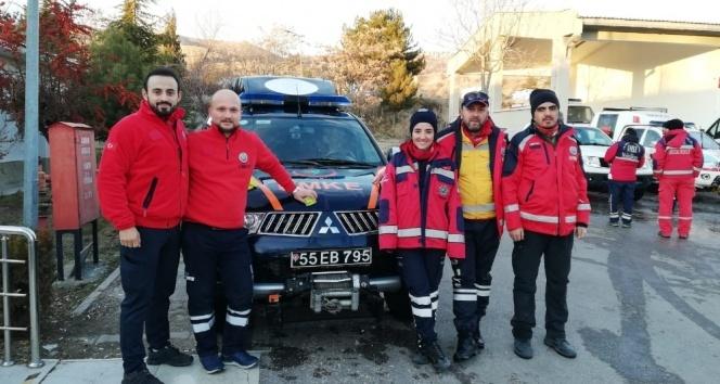 Samsun UMKE Ayşe Yıldız'ın 29 saat sonra enkaz altından kurtarılmasına ortak oldu