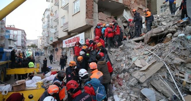 AFAD: 'Elazığ ve Malatya'da arama kurtarma çalışmaları tamamlandı'