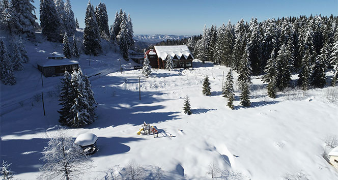 Karadeniz yaylaları kış mevsiminin tüm güzelliğini yansıtıyor