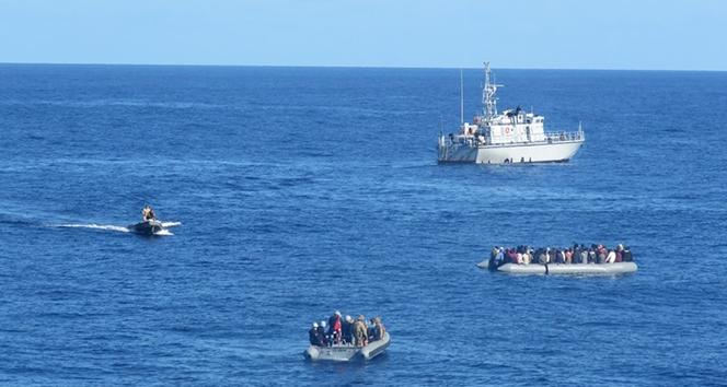 TCG Gaziantep Orta Akdeniz'de 30 düzensiz göçmen tespit etti