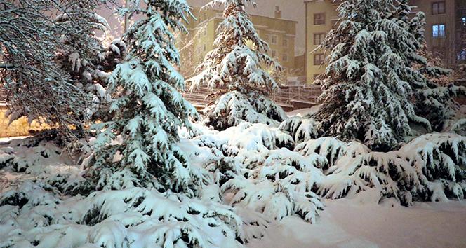 Nevşehir'de kar kalınlığı 24 cm ölçüldü