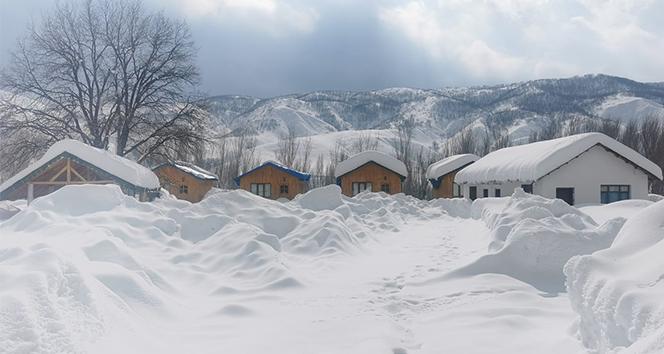 Tunceli'de kar yağışı etkisini sürdürüyor, 176 köy yolu ulaşıma kapandı