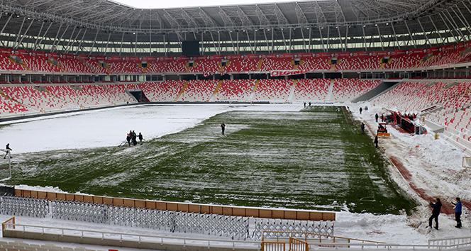 Sivasspor - Antalyaspor maçının oynanmasına karar verildi