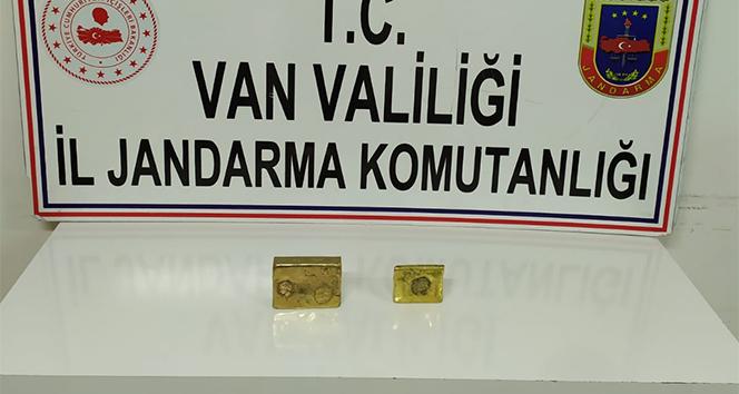 Erciş'te tarihi külçe altın ele geçirildi
