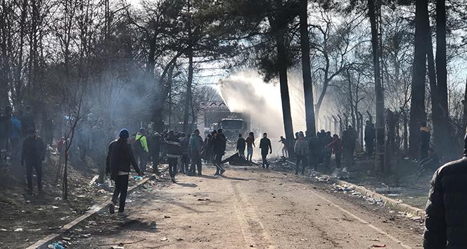 Yunanistan, sığınma başvurularını bir ay askıya aldı