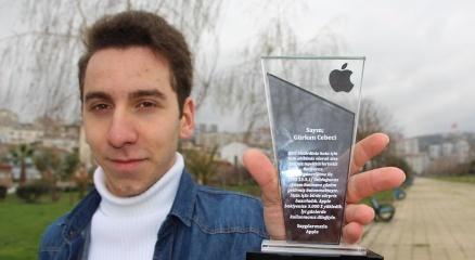 Sirinin açığını buldu, 3 bin dolar ile ödüllendirildi