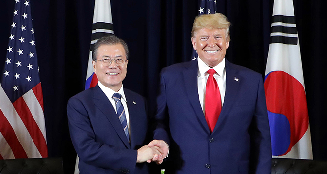 Trump'tan Güney Kore'ye 'virüs test kiti' talebi