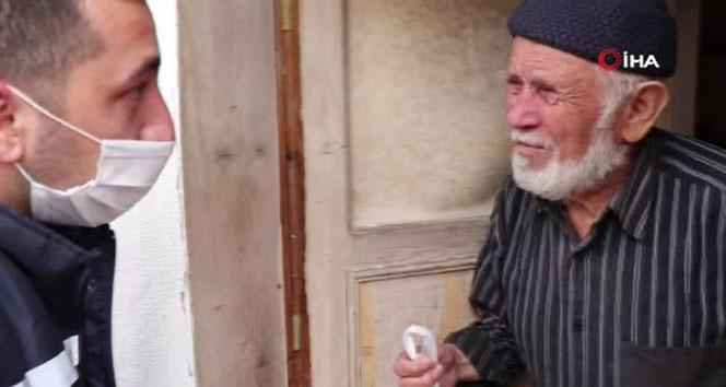 Sokağa çıkamayan yaşlılara destekler sürüyor