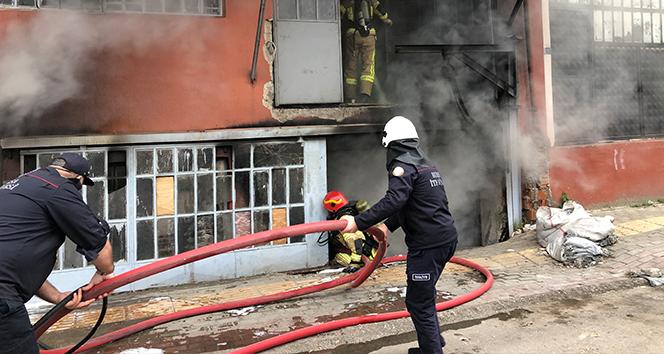 Bursa'da 3 katlı tekstil atölyesinde yangın