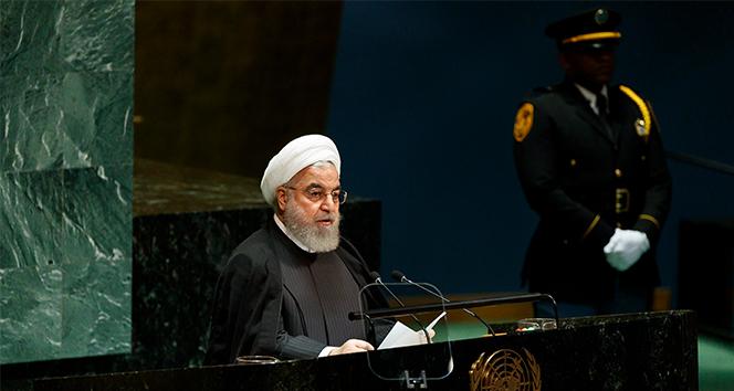 İran Cumhurbaşkanı Ruhani: 'Korona virüs, yıl sonuna kadar ülkede görülebilir'