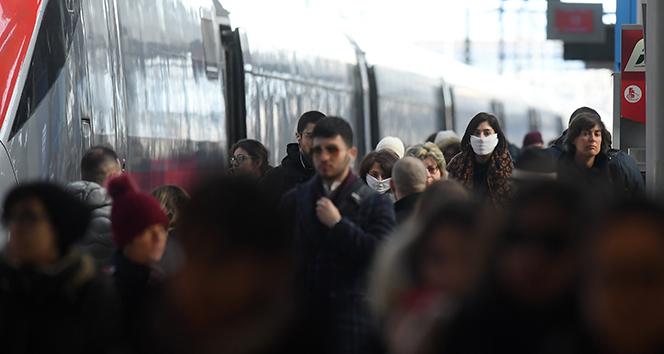 İtalya'da son 24 saatte 604 ölüm