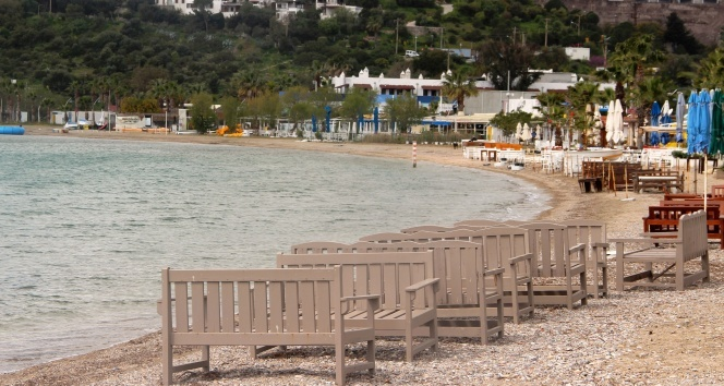 Bodrum sahilleri sessizliğini koruyor