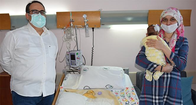 Kilo kaybı yaşayan 40 günlük bebek ameliyatla sağlığına kavuştu