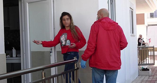 Antalya'da bir kadın, tartıştığı eski kocasını bıçakladı