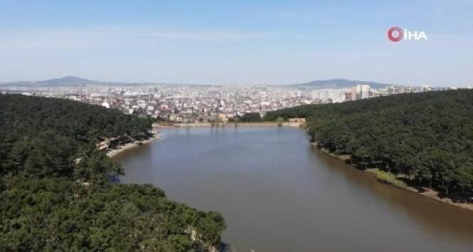 Aydos Ormanı'nın 'saklı güzelliği' olan göl havadan görüntülendi