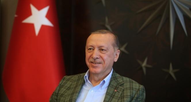 Cumhurbaşkanı Erdoğan'dan gençlere sahte sosyal medya hesabı uyarısı