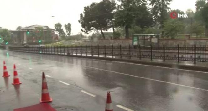 İstanbul Anadolu Yakası'nda yoğun yağış etkili oldu