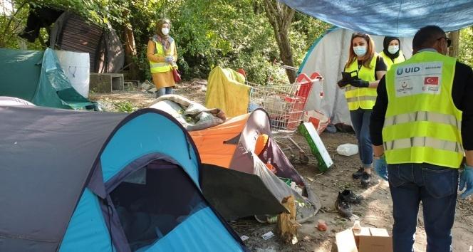 Belçika'da kaderine terk edilen mültecilere YTB desteğiyle yardım eli uzandı