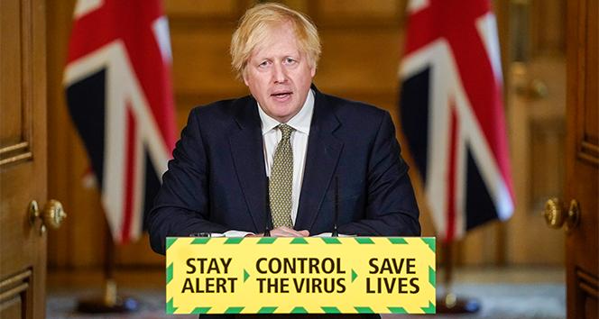İngiltere Başbakanı Johnson, Başdanışmanı Cummings'i savundu