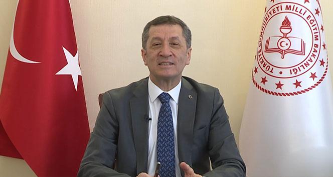 Bakan Selçuk'tan 'Fidandan Çınara' projesine destek