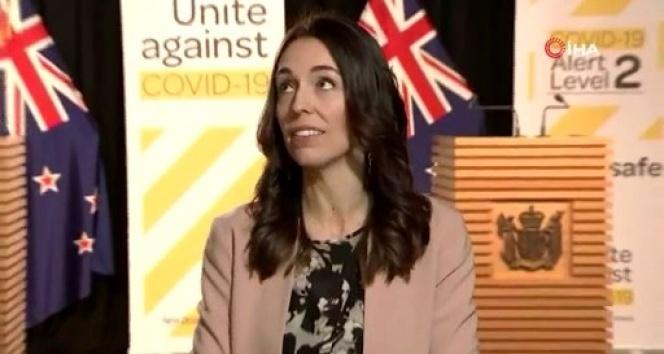 Yeni Zelanda Başbakanı Ardern, canlı yayında depreme yakalandı