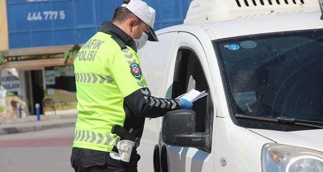 İzmir'de yasak kurallarına uymayanlara 3 milyondan fazla ceza kesildi