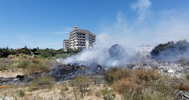 Oteller bölgesindeki yangın büyümeden söndürüldü
