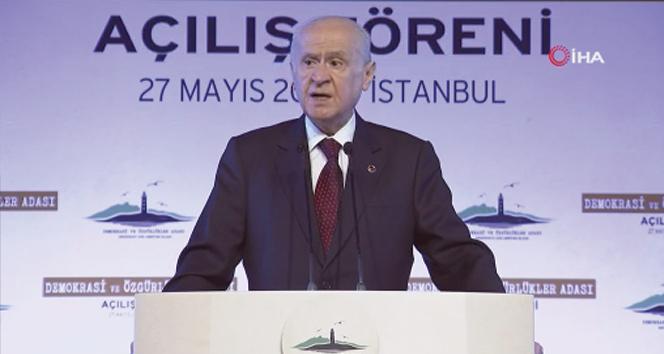 MHP lideri Bahçeli: Yassıadada hukuka deli gömleği giydirilmiştir