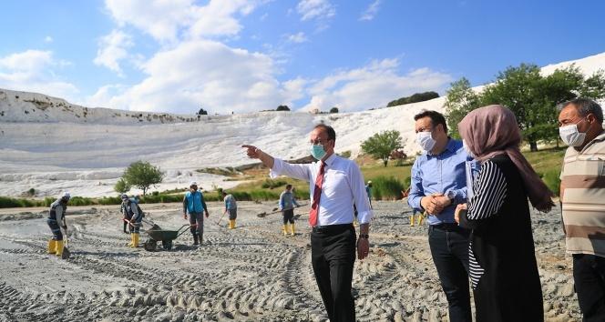 Dünyaca ünlü Pamukkale'den yaklaşık 400 kamyon çamur çıkarılacak