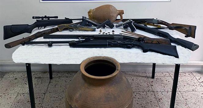 Jandarmadan silah ve tarihi eser operasyonu