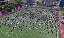 İstanbul'da dev stadyumda günler sonra ilk cuma namazı