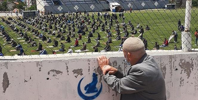 Cuma namazı için stada alınmayan 88 yaşındaki adam: Namazımı kıldım kimse merak etmesin, üzülmesin