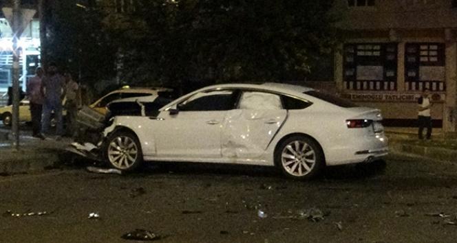 Diyarbakır'da iki otomobilin çarpıştığı kazada 5 çocuk yaralandı