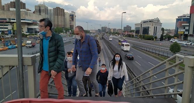 Normalleşme sabahında İstanbul'da hareketlilik başladı