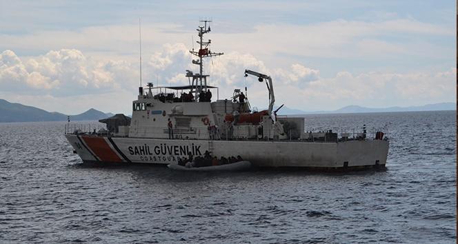 İzmir'de 45 sığınmacı kurtarıldı