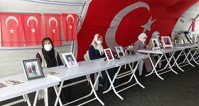 HDP önündeki ailelerin evlat nöbeti 274'üncü gününde