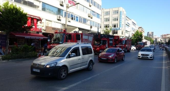 Bağdat Caddesi'nde iş merkezinde yangın paniği