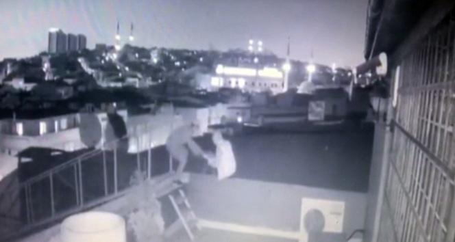 Hırsızlar bu kez kapıdan değil çatıdan girdi