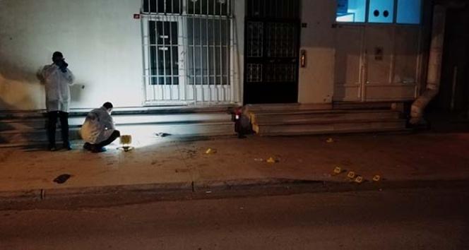 İstanbul'da silahlı kavganın büyümesini bekçiler engelledi