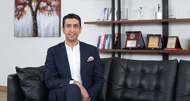 Türk eğitimci, Microsoft'un davetiyle 'pandemide uzaktan eğitimi' anlattı