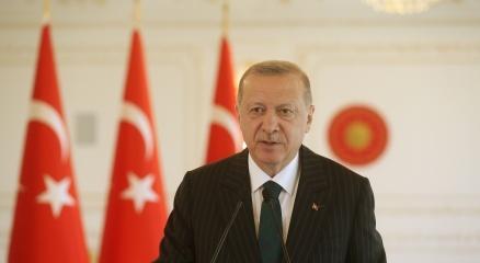 Cumhurbaşkanı Erdoğandan Uğur Şahin ve Özlem Türeciye tebrik