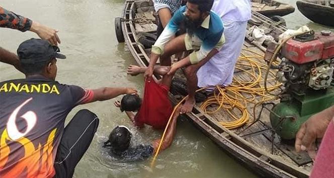 Bangladeş'te feribot battı: 30 ölü