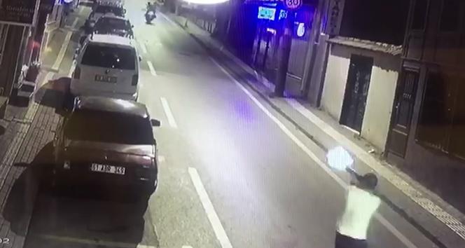 Bursa'da dehşet anları kamerada...Kör saçmalar yaşlı adamı öldürüyordu