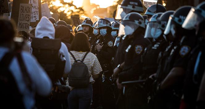 New York polisinin bütçesinden 1 milyar dolarlık kesinti