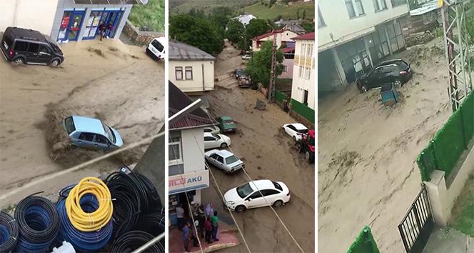Sivas'ta sel suları otomobili sürükledi, o anlar kameraya yansıdı