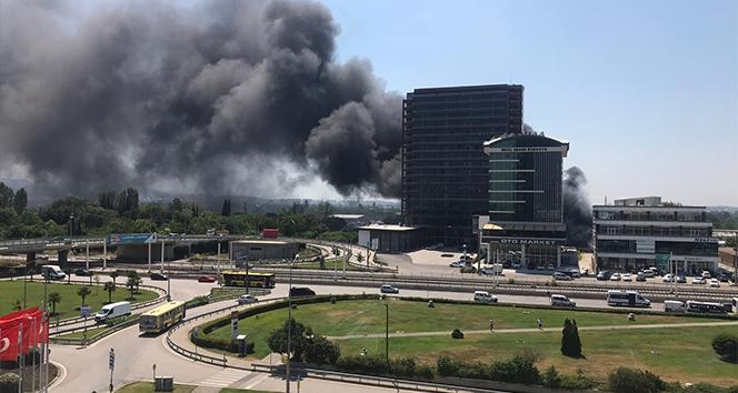 Bursa'da plastik deposunda çıkan yangın kontrol altına alındı