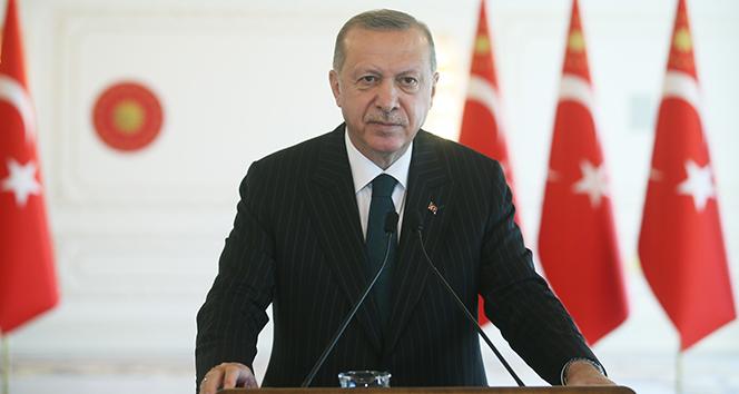 Cumhurbaşkanı Erdoğan: 'Yeni dönemin parlayacak yıldızı olarak Türkiye gösteriliyor'